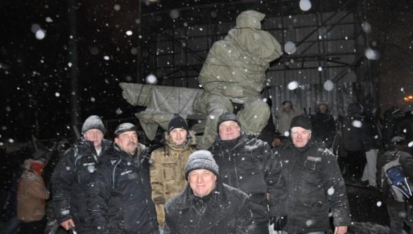 Памятник Валерию Лобановскому защитили от вандализма