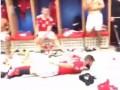 Игроки Уэльса устроили танцы в раздевалке после выхода в полуфинал Евро-2016