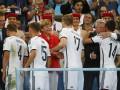 Меркель обнималась с футболистами сборной Германии после победы на ЧМ-2014 (фото)
