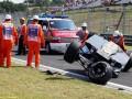 Гонщик Формулы-1 чудом остался жив после страшной аварии