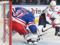 НХЛ: Оттава проиграла Бостону, Рейнджерс без забитых шайб выиграли у Вашингтона