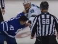 Хоккеист в драке схватил соперника за бороду и вырвал приличный клок волос
