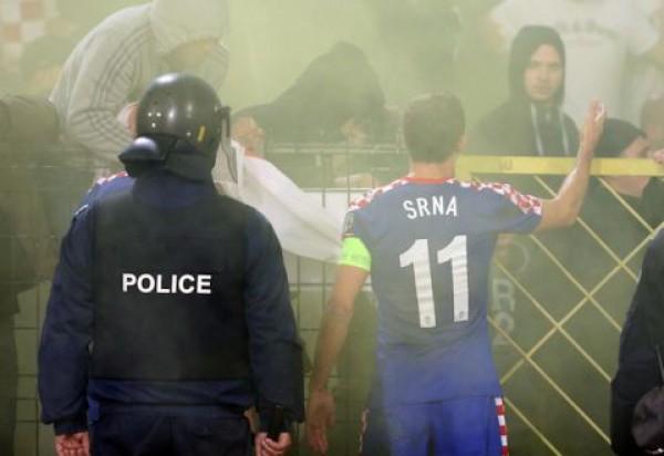 Дарио Срна отправился уговаривать болельщиков