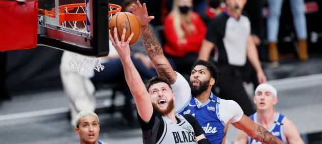 НБА: Лейкерс уступили Портленду, Чикаго разгромил Бостон