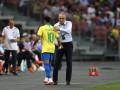 Неймар получил травму во время матча сборной Бразилии