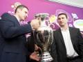 Братья Кличко установят сто детских площадок к Евро-2012