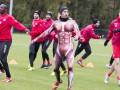 Костюм позора: Футболист получил необычное наказание от тренера