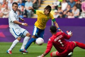 Бразилия не без проблем переиграла Гондурас