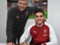 Арсенал подписал контракт с греческим защитником