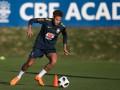 Неймар провел полноценную тренировку в сборной Бразилии