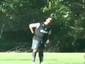Тот самый Роналдиньо. Бразилец забивает из-за ворот