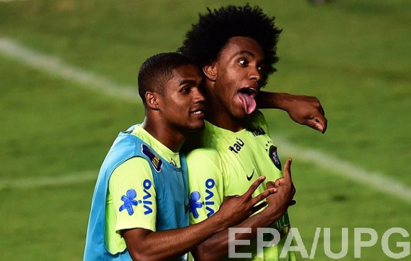 Виллиан и Дуглас Коста готовы помогать Неймару забивать голы