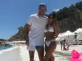 Ярмоленко вместе с женой-красоткой и детьми отдохнул на пляже