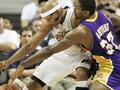 NBA: Лейкерс разобрались с Пистонами