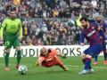 Месси оформил покер и принес Барселоне победу над Эйбаром