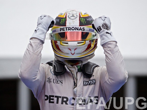 Льюис Хэмилтон - победитель гонки в Австрии