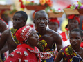 На Кубке Африки борются с массовыми беспорядками с помощью презервативов