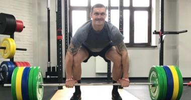 Усик сообщил, каким будет его вес в дебютном бою в супертяжелом дивизионе