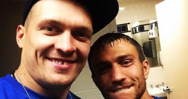 Усик зарубился в волейбол, а Ломаченко это снял