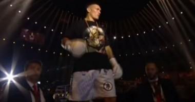Усик – Хук: видео выхода на ринг украинского боксера