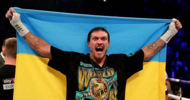 Усик написал стих ко Дню независимости Украины