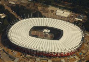 Первый матч на новом стадионе в Варшаве будет сыгран только в феврале 2012 года