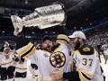 Голкипер Бостона признан самым ценным игроком плей-офф NHL