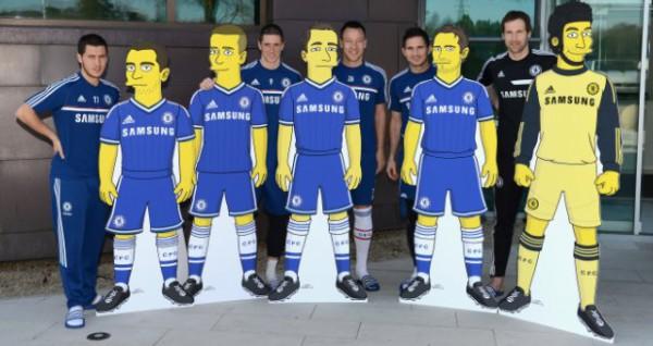 Футболисты Челси рядом со своими персонажами