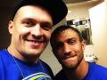 Танцы чемпионов: Усик и Ломаченко сплясали на праздновании дня рождения