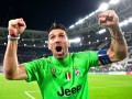 Буффон эмоционально отпраздновал с фанатами Ювентуса выход в финал Лиги чемпионов