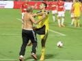 Ночь позора: Дерби в Израиле закончилось дракой фанатов с игроками (видео)