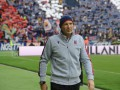 Главного тренера Болоньи выписали из больницы после третьего курса химиотерапии