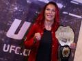 Сайборг проведет защиту титула UFC в бою с россиянкой