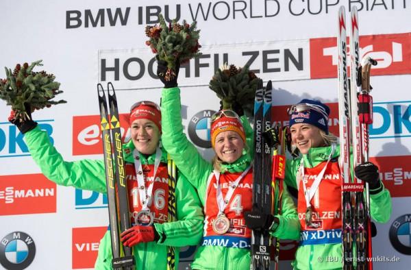 Немецкие биатлонистки на пьедестале второго этапа Кубка мира