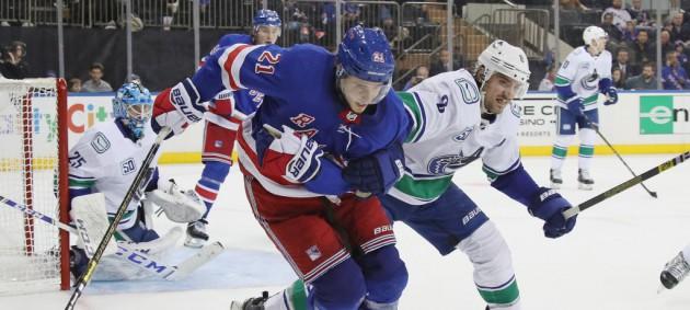 НХЛ: Ванкувер обыграл Рейнджерс, Эдмонтон по буллитам уступил Виннипегу