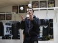 Усик поразил поклонников своими жонглерскими навыками