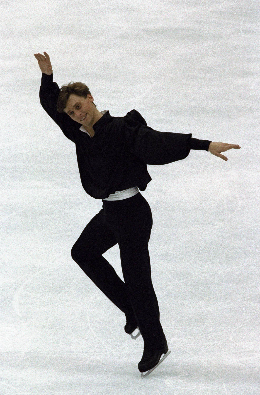 Виктор Петренко на Олимпиаде в Альбервиле завоевал золотую медаль
