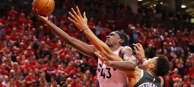 Плей-офф НБА: Торонто в овертайме обыграл Милуоки и сократил отставание в серии