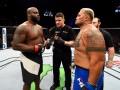 UFC Fight Night 110: Хант одержал досрочную победу над Льюисом