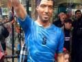 В Уругвае появился памятник Луису Суаресу