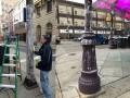 В Филадельфии столбы намазали жиром, чтобы болельщики не могли на них залезть