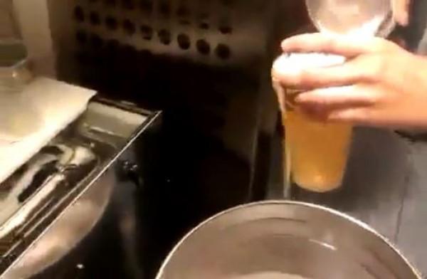 Пиво, которое якобы наливают на Олимпийском