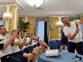 Появилось видео разговора Зеленского с футболистами сборной Украины