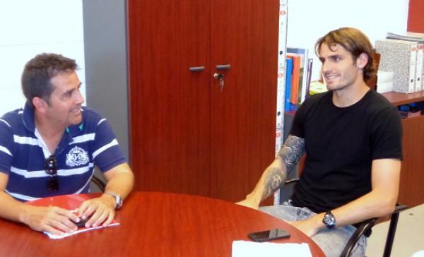 Марко Торсильери (справа) в офисе Альмерии