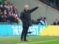 Моуринью ответил тремя пальцами на оскорбления болельщиков Челси