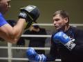 Филиппинский матадор и украинский атаман: репортаж с тренировки Беринчика и его соперника