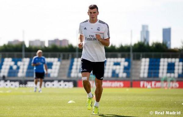 Гарет Бэйл на первой тренировке в составе Реале