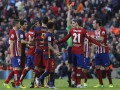 За фол против Месси игрока Атлетико дисквалифицировали на три матча