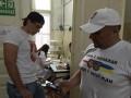 Фанаты сборной Беларуси сдали кровь для украинских военных из зоны АТО