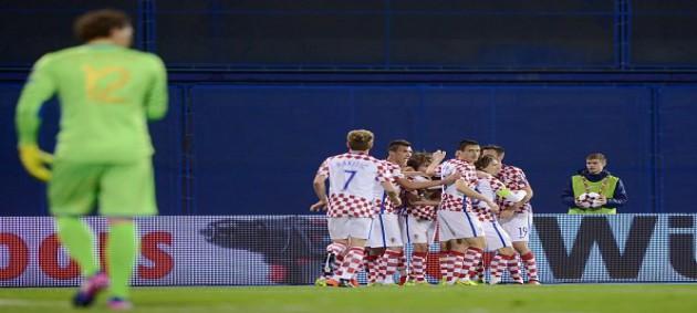 Продолжаем играть в автобус: реакция Сети на поражение Украины в Хорватии